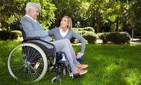 Пособие по уходу за инвалидом 1 группы в 2020-2021 году: размер выплат, оформление и порядок получения, льготы, необходимые документы
