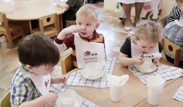 Молочная кухня в 2020-2021 году: кому положена и как получить, правила оформления, необходимые документы, нормы выдачи и содержимое набора, режимы работы
